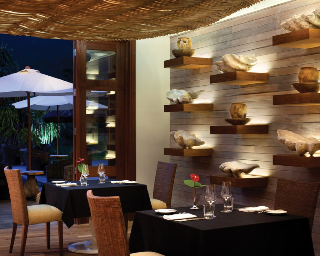 оформление стен в кафе ресторане идеи