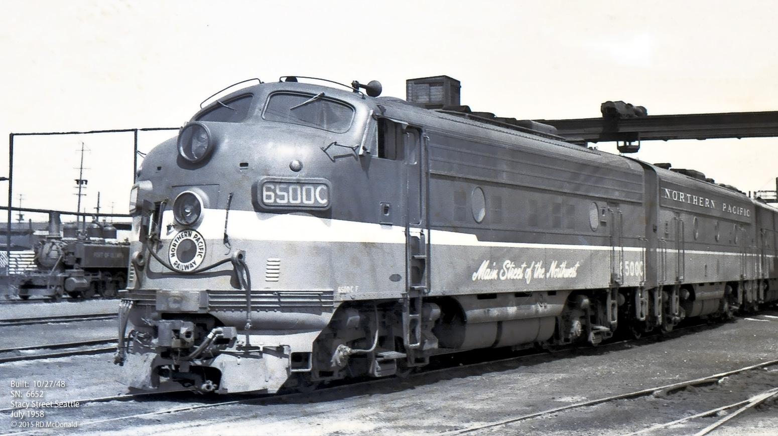 Постеры со старыми поездами